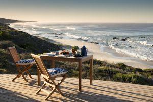 10Lekkerwater-Beach-Lodge-Breakfast-on-the-veranda1
