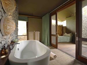 Bathroom-of-guest-tent-at-andBeyond-Ngala-Tented-Camp