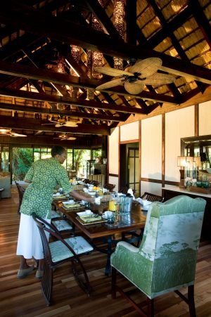 Dining-Area-at-Phinda-Vlei-Lodge-scaled