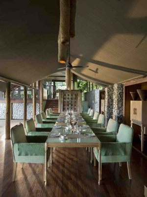Dining-area-at-andBeyond-Ngala-Tented-Camp