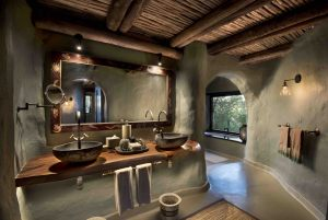 Guest-suites-at-Phinda-Rock-Lodge-7-_resized-2-scaled
