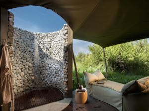 Outdoor-shower-of-andBeyond-Ngala-Tented-Camp